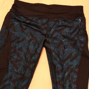 Teal and black yoga/workout leggings